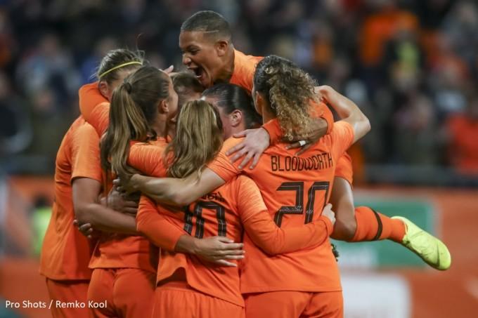 09943cad5b4 Nieuwsarchief EK Vrouwen Oranje voetbal, handbal, volleybal, hockey